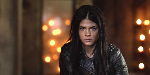 Marie Avgeropoulos es Octavia Blake
