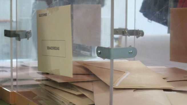 Sobres y urnas para las elecciones. Foto: Europa Press