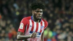 Thomas Partey en el Camp Nou (AFP)