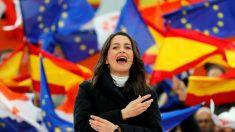 La portavoz nacional de Ciudadanos, Inés Arrimadas, en la localidad madrileña de Las Rozas. EFE/Juan Carlos Hidalgo