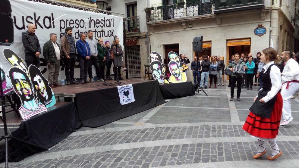 Homenaje al ex preso de ETA Germán Urizar.