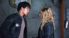 Primeros detalles de la relación de Bellamy y Clarke en la sexta temporada de 'The 100'