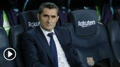 Ernesto Valverde en el banquillo del Camp Nou. (AFP)