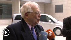 El ministro de Asuntos Exteriores, Josep Borrell responde a su llegada al Consejo de Asuntos Exteriores de la UE.