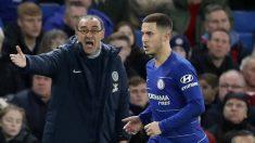 Sarri y Hazard, durante un partido del Chelsea.