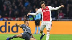 Nicolás Tagliafico contra el Bayern (AFP)