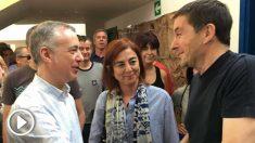 Urkullu saluda a Otegi en presencia de la consejera vasca de Educación, Cristina Uriarte. (Foto: @EHBILDU)