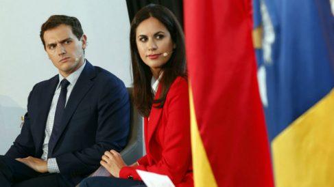 El líder de Ciudadanos, Albert Rivera, y la candidata naranja a la Presidencia de Canarias, Vidina Espino. (Foto: EFE)