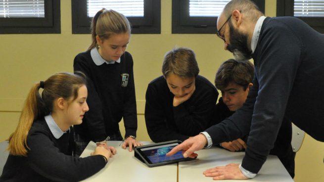 Más de 10.000 estudiantes jugarán hoy de forma simultánea en un 'escape room' virtual