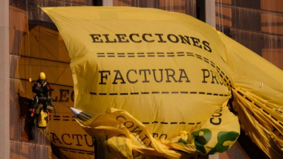 Cartel Greenpeace en Colón