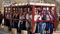 Una mala postura durante las procesiones de Semana Santa puede perjudicar.