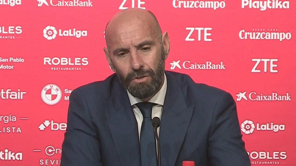 Monchi, director deportivo del Sevilla, en rueda de prensa (AFP)