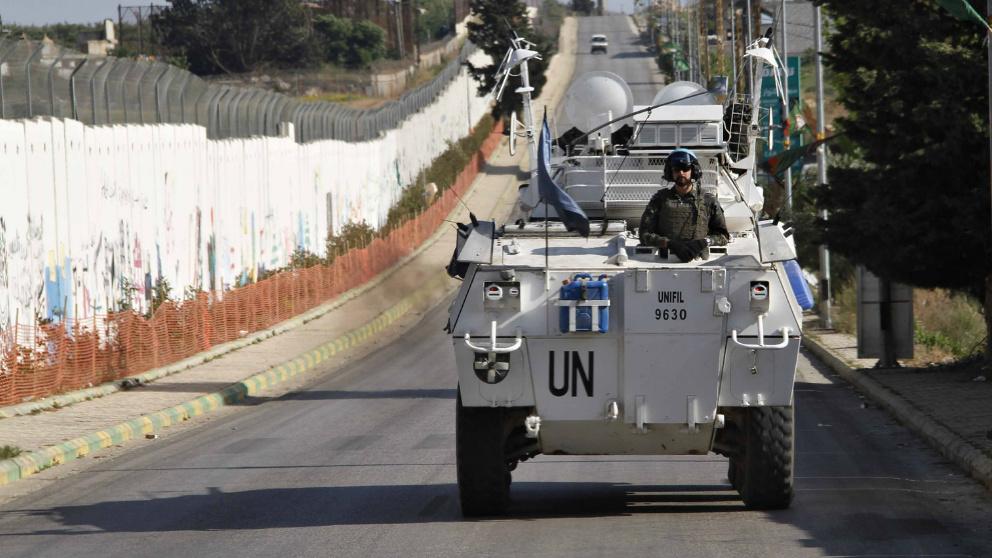 Cascos Azules españoles patrullando en Líbano.