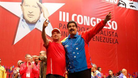 Hugo Carvajal junto a Nicolás Maduro. Foto. AFP.