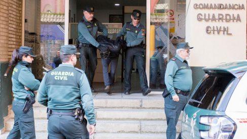El asesino confeso de Laura Luelmo a la salida del cuartel de la Guardia Civil. Foto: Europa Press