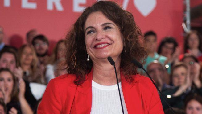Las mentiras de Montero para asfixiar a la sociedad española con más impuestos