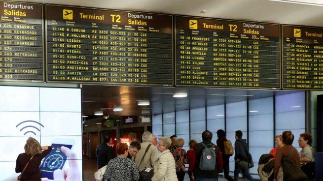 64d31d632f9 Los sindicatos han reconocido este sábado que la huelga de vigilantes en  los filtros de seguridad del aeropuerto Madrid-Barajas provocarán  aglomeraciones ...