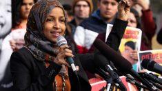 La congresista musulmana de los EEUU, Ilhan Omar, durante un discurso público. Foto: Europa Press
