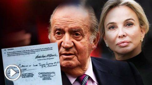 El Rey emérito Juan Carlos I y la princesa Corinna, junto a una copia de las firmas estampadas en su declaración jurada.