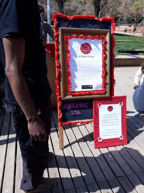Colau autoriza un 'tobogán vagina' para niños en un parque público de Barcelona