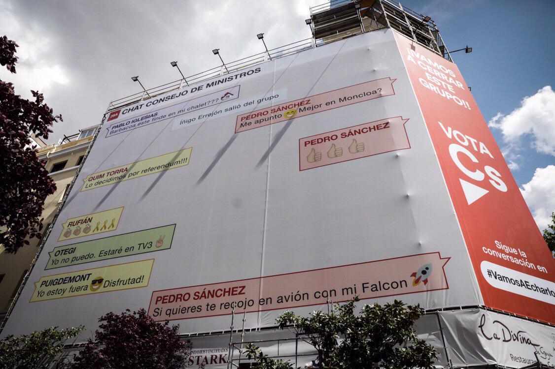 C's se mofa de Sánchez y recrea en una publicidad un 'chat' ficticio con Otegi, Torra y Puigdemont