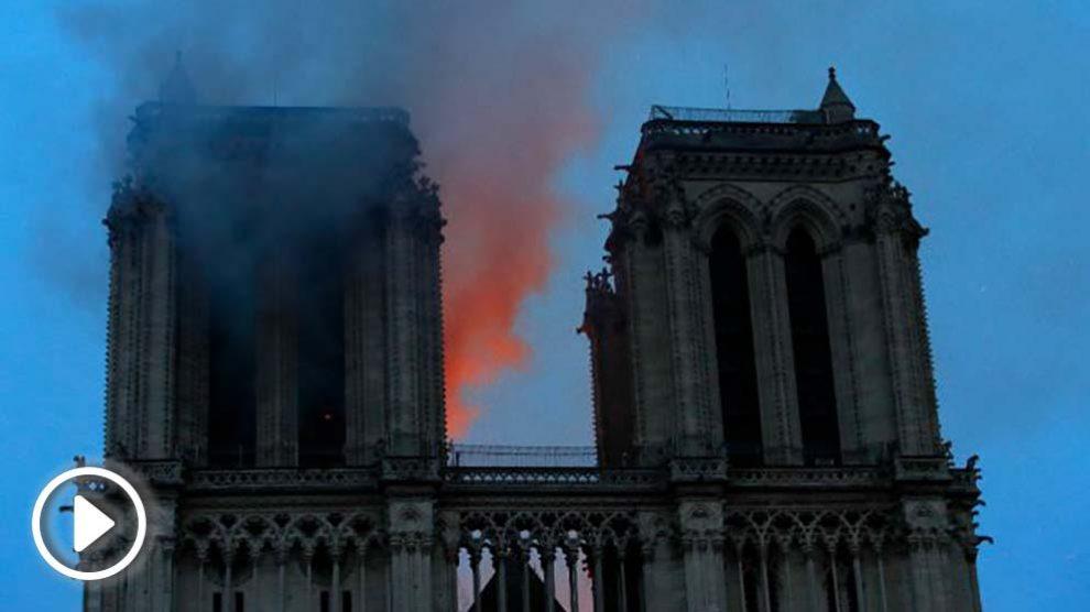 Imagen del incendio en Notre Dame