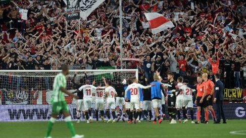 Imagen del último partido celebrado entre el Sevilla y el Betis en el Sánchez Pizjuán (AFP)