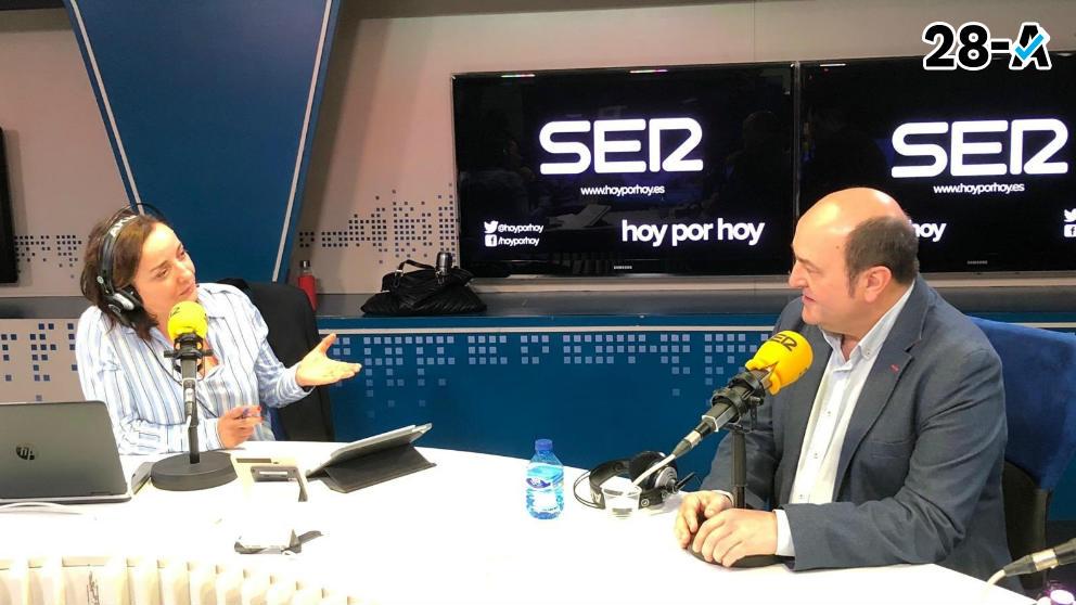 Andoni Ortuzar en su entrevista radiofónica esta mañana.