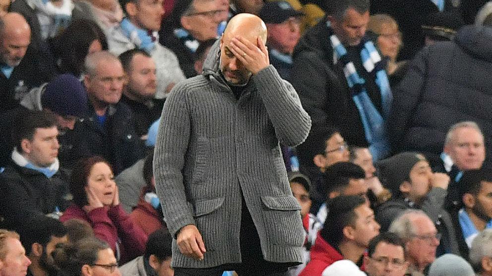 Guardiola, decepcionado durante el Manchester City – Tottenham. (AFP)