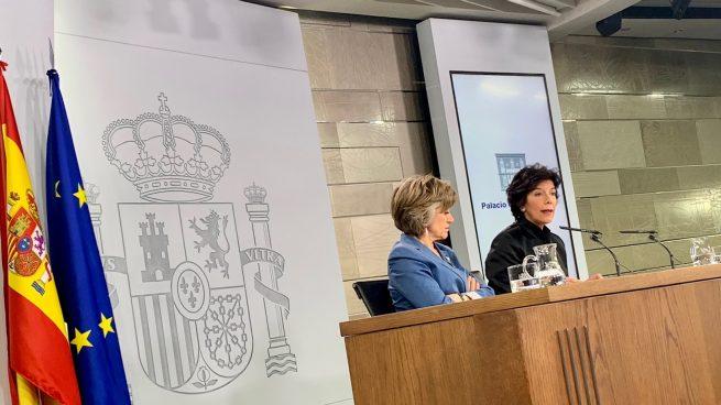 """El Gobierno acusa a Casado y Rivera de """"practicar el insulto y la crispación"""""""