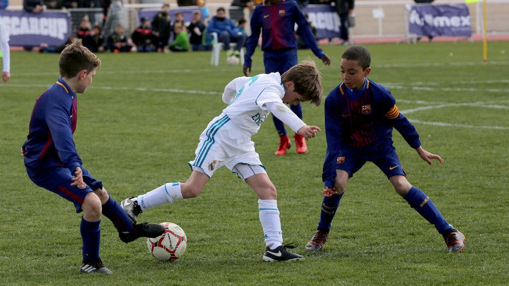Una imagen de un duelo entre el Real Madrid y el Barcelona en la IscarCup.