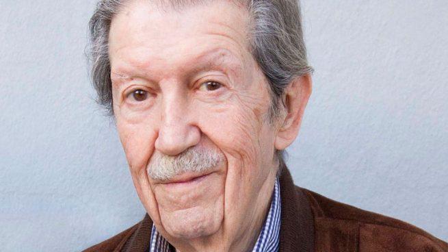 El poeta y articulista Manuel Alcántara. Foto: Europa Press