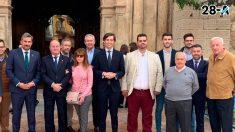 Pablo Montesinos en Antequera, junto al también candidato popular al Congreso Ángel González; el presidente del PP local, José Ramón Carmona y el candidato a revalidar la Alcaldía, Manuel Barón. Foto: Europa Press