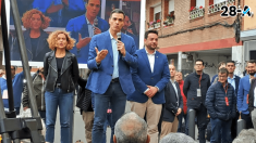 Pedro Sánchez en Badalona junto a Meritxell Batet. Foto. Twitter PSOE