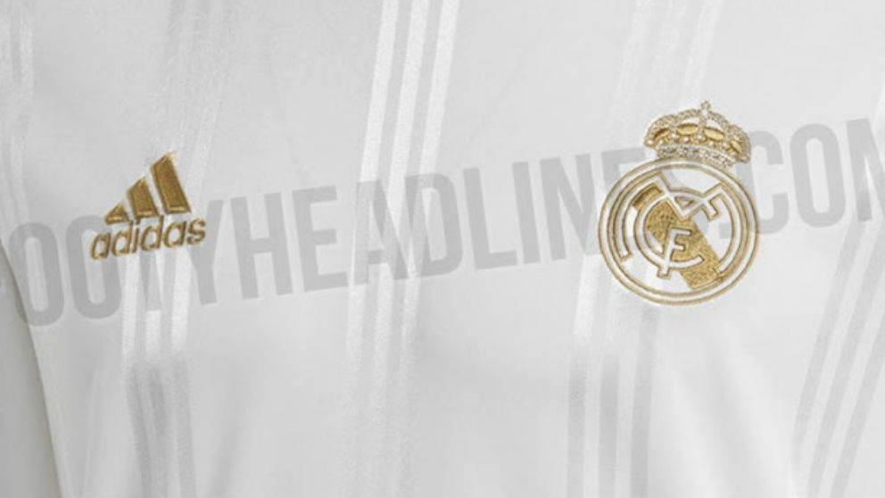 Camiseta retro del Real Madrid. (footyheadlines)