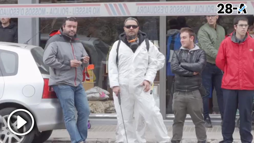 Limpian las calles de Torroella con lejía tras pasar Inés Arrimadas.