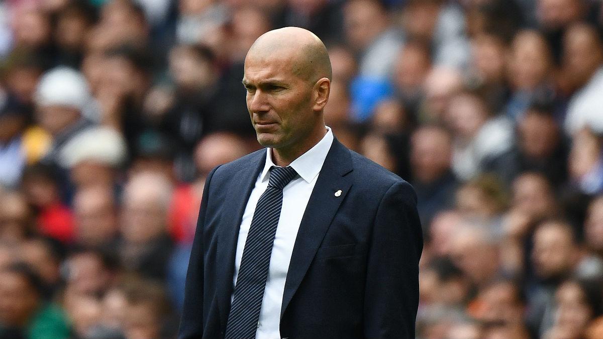 Zinedine Zidane, durante el partido ante el Athletic (AFP).