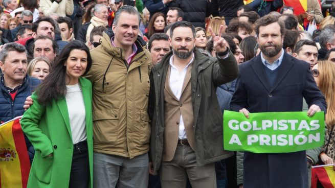 VOX ficha a referentes vecinales y anticorrupción para su lista para Madrid