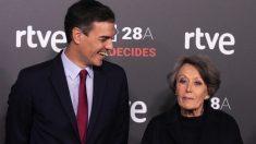 Pedro Sánchez y Rosa María Mateo. (Foto. PSOE)