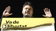 El número dos de ERC al Congreso, Gabriel Rufián, durante su intervención en el acto de ERC de inicio de campaña electoral en Sant Vicenç dels Horts, en Barcelona. (Foto: Efe)