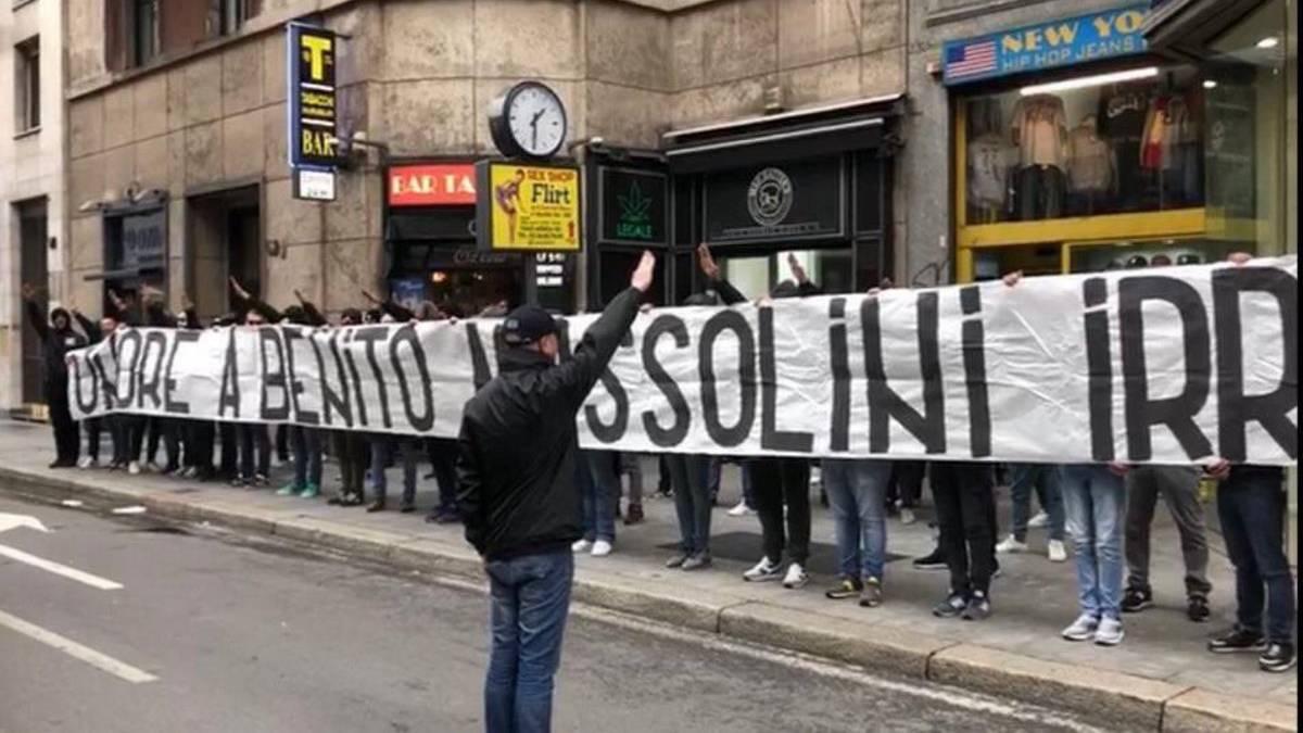 Los hinchas de la Lazio, en las calles de Milán.