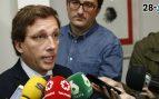 "Almeida califica de ""venganza"" la marcha de Garrido a C's"