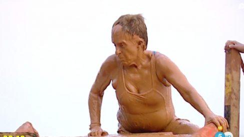 Chelo García Cortés en la prueba del barro de Supervivientes 2019.