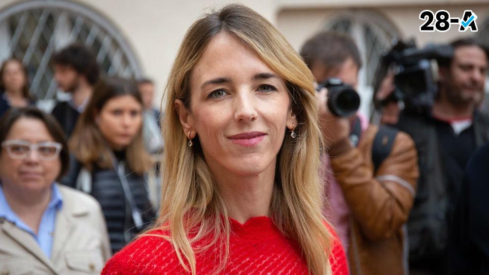 Cayetana Álvarez de Toledo tras ejercitar su derecho al voto