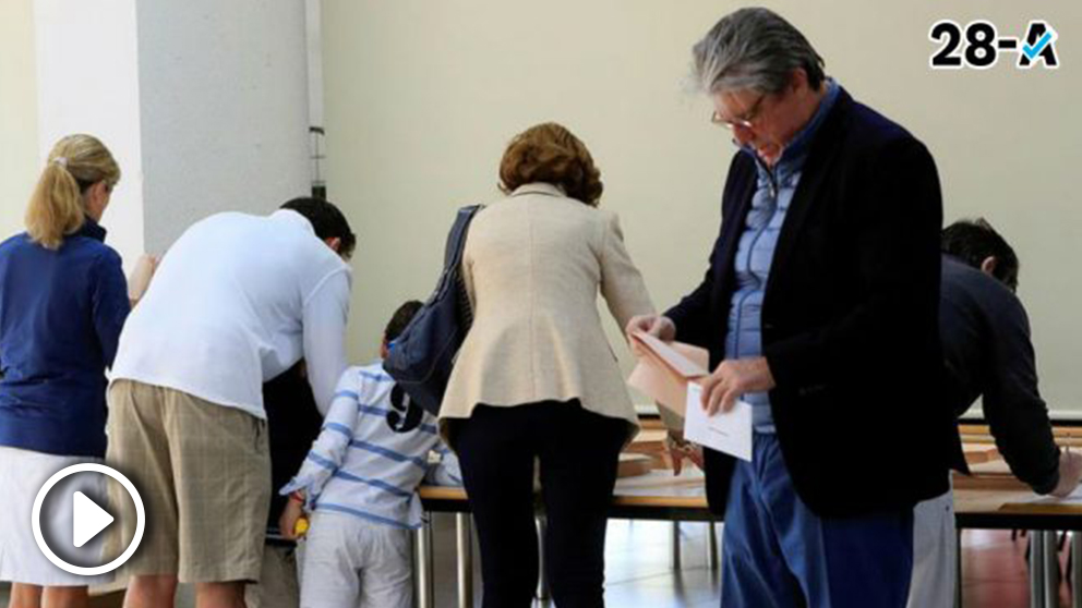 Uno de los miles de colegios electorales que abrió sus puertas el 26-M