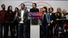 Pablo Iglesias y la dirección de Unidas Podemos este domingo electoral. (Foto. EFE)