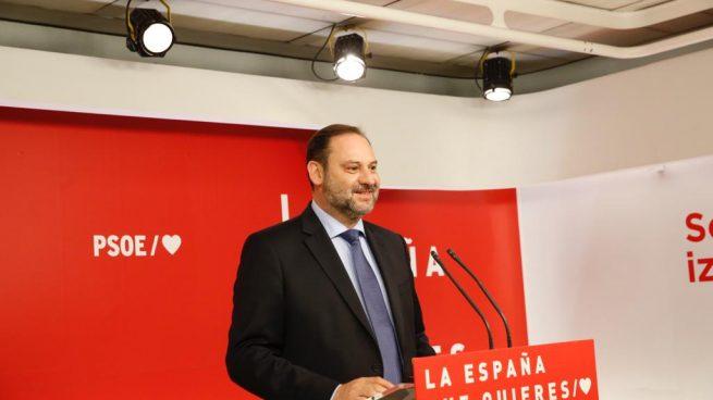 El secretario de Organización del PSOE, José Luís Ábalos, este lunes en Ferraz