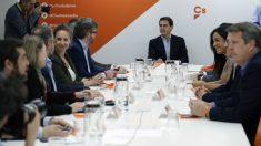 Reunión del Comité Permanente de Ciudadanos para analizar los resultados del 28-A. (Foto: EFE)
