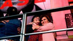 Las socialistas Carmen Calvo (d) y Cristina Narbona, durante la valoración de los resultados electorales en la sede del PSOE en la Calle Ferraz de Madrid. Foto: EFE