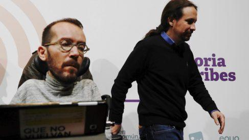 Pablo Echenique y Pablo Iglesias. (Foto: EFE)